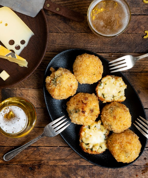 Recipe -  Fried Mac & Cheese balls with Agropur Grand Cheddar and Jarlsberg